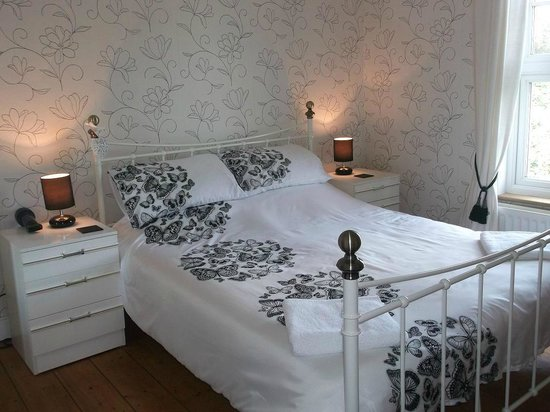 Elm House Bed & Breakfast: King Size Double Room
