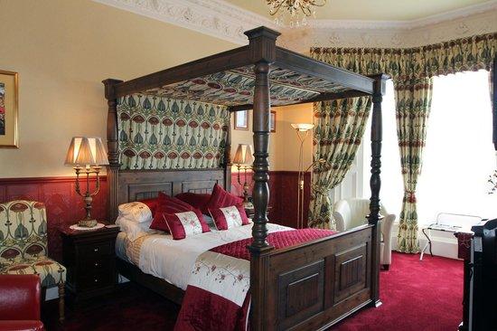 Lauderville Guest House