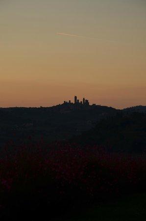 Country House Croce di Bibbiano: La veduta al tramonto