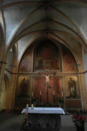 St. Gangolf: Im Innenraum