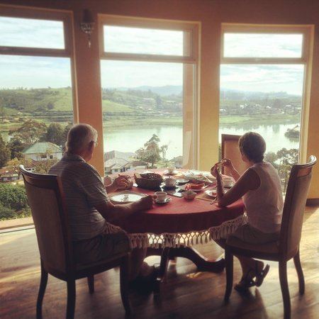 Villa Acacia : Breakfast with a view