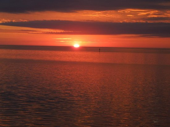 Cedar Key Harbour Master Suites: Sunrise