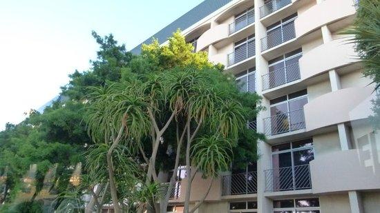 Garden Court Nelson Mandela Boulevard: facade