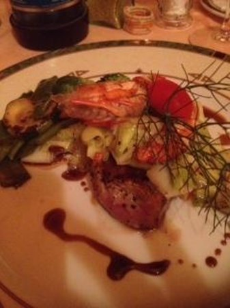 L'Orange Restaurant: veal with prawns