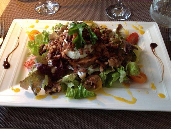 Auberge des Vignerons: Salade lyonnaise revisitée
