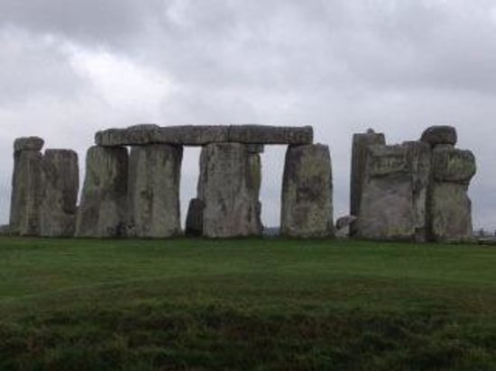 Mad Max Tours: Stonehenge early morning not may tourists