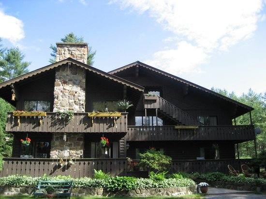The Lodge At Harrisburg Lake
