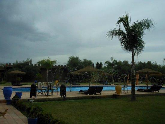Hotel Riad Berbere: Piscine à jets pour le recyclage de l'eau