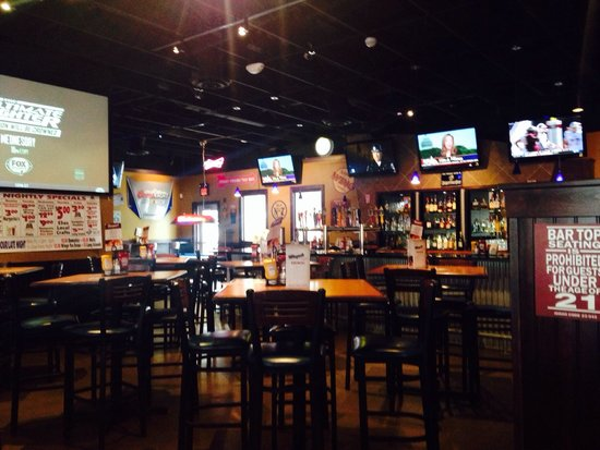 Wingers Restaurant Alehouse Sports Bar Side