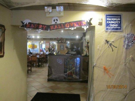Little Havana Restaurant: Salon