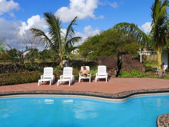 Hotel Puku Vai : Pool Area