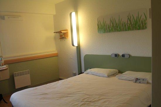 Salle de bain  Picture of Ibis Budget Toulouse Centre