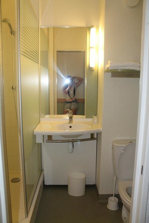 Salle De Bain  Photo De Ibis Budget Toulouse Centre Toulouse