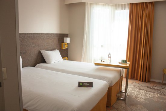 Ibis Styles Tours Centre : Twin room