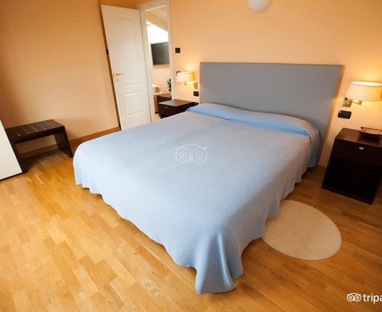 Hotel residence la luna nel porto stresa talya otel for Hotel saini meuble stresa