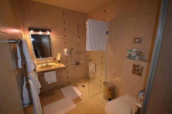 Hotel La Bonbonniere: bathroom