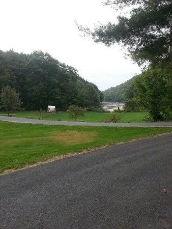 Winhall Brook Campground: Weekend of September 20th 2014, very peaceful