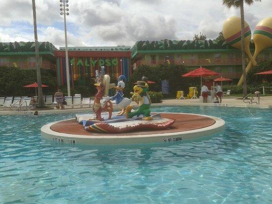 Disneys All Star Music Resort Piscina Principal Exquisita A Cualquier Hora