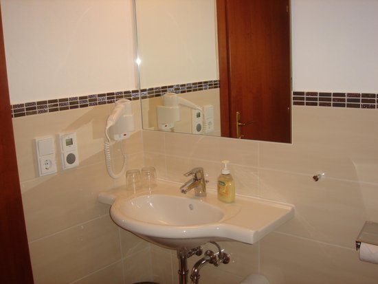 Pension Anna: doubleroom bath