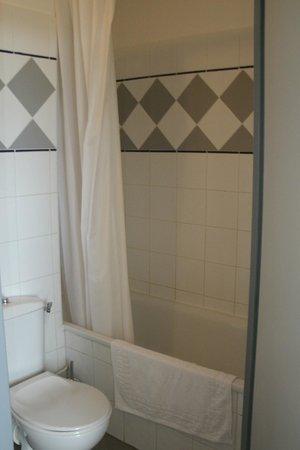 Madame Vacances Residence Les Consuls de la Mer: salle de bain
