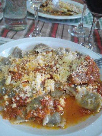 Restaurante Club Trabajo y Placer: ravioles caseros