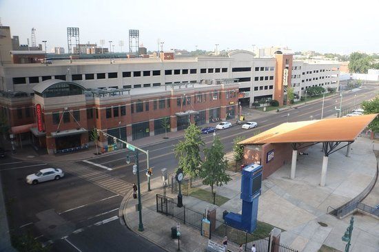 Hampton Inn & Suites Memphis - Beale Street: View from room