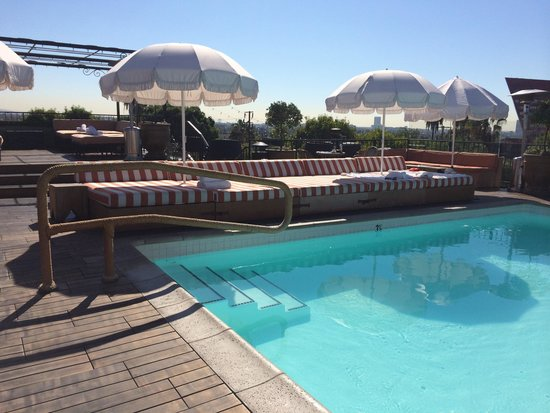 Petit Ermitage: Roof top pool!