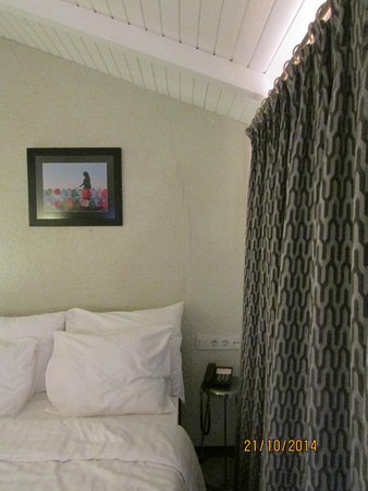 Faros Hotel Taksim : room wall - suite 802