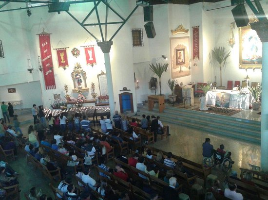 Campinas, SP: Interior do Santuário Desatadora dos Nós