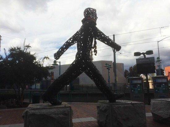 Bistro De La Gare : Iron Man by the Train Stop