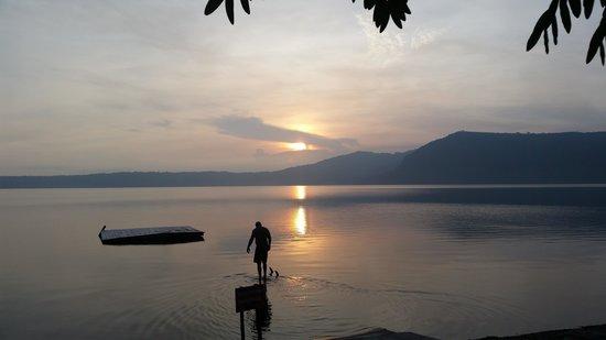 Apoyo Resort: Serenity at sunrise!