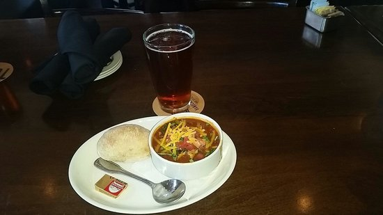 Karl Strauss Brewing Company: Chili soup...