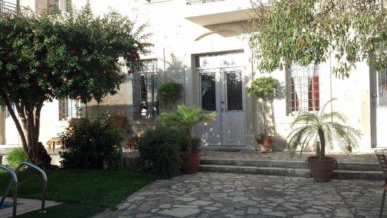Villa Kerasia interior and dining area