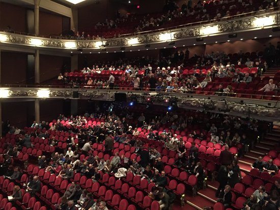 Princess of Wales Theatre : Waiting for the opening act