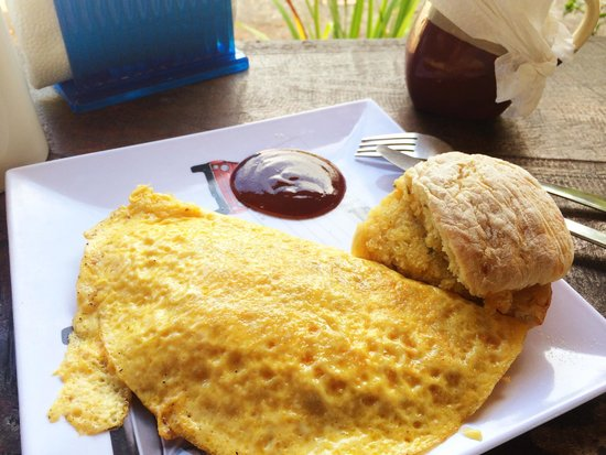 Bluegrass Cafe : Smoked Pork, Cheddar, Caremelized Onion Omelette with Cheddar, Jalepeno Biscuit
