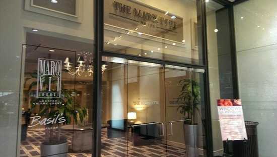 The Marquette : Entry from the indoor mall of the IDS Center