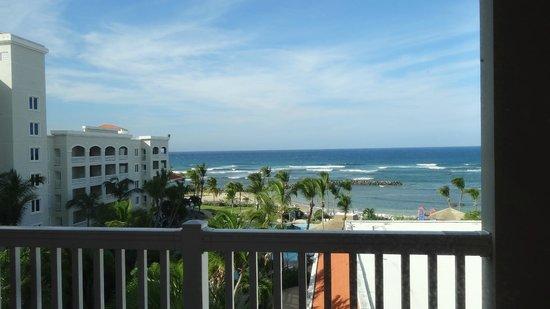 Embassy Suites by Hilton Dorado del Mar Beach Resort: Private Beach Area