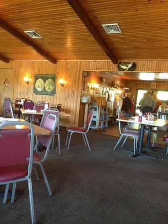 Jojo's Catfish Wharf : Dining area