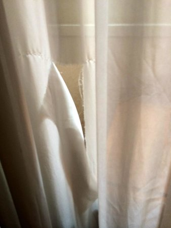 Serena Hotel: Torn curtain