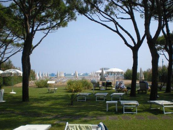 Hotel Maracaibo: Blick vom Garten Richtung Meer