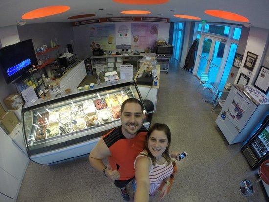 Gelato-go South Beach : El mejor helado..!!!!! Lo recomiendo para todos los adictos y no adictos al dulce ..!!!! El de n