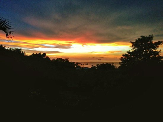 Freedom Estate: The stunning sunset from our balcony