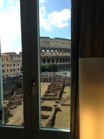 Palazzo Manfredi - Relais & Chateaux: Room with a view