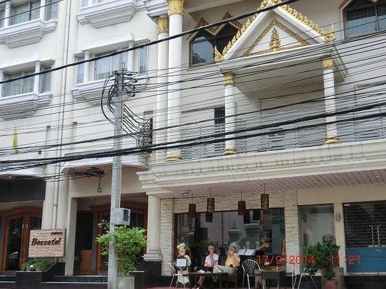Bossotel Bangkok : bossotel building