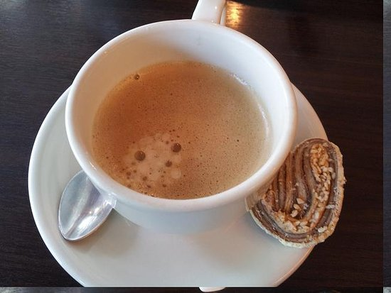 Bossotel Bangkok: horseshoe and epresso for breakfast
