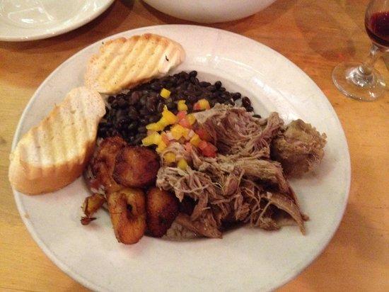 Kuba-Kuba : Cuban slow roasted pork with black beans and rice
