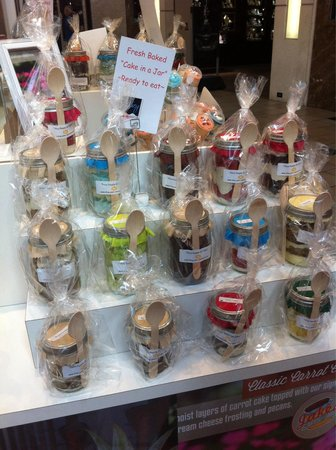 The Florida Mall : Cake in a jar, located in the food court.