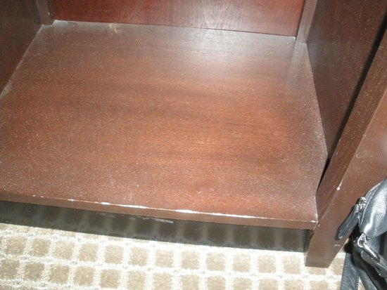 Wingate by Wyndham St. Charles: Nightstand