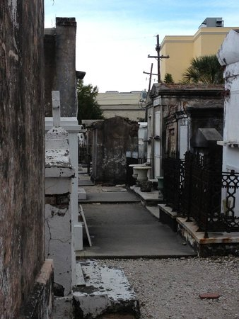 Historic New Orleans Tours : St. Louis Cemetary #1