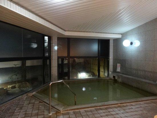 Hotel Kiraku: 温泉の大浴場